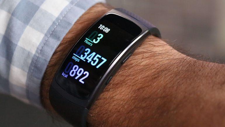 Samsung Gear Fit 2 - обзор, сравнение, цена, отзывы, фото