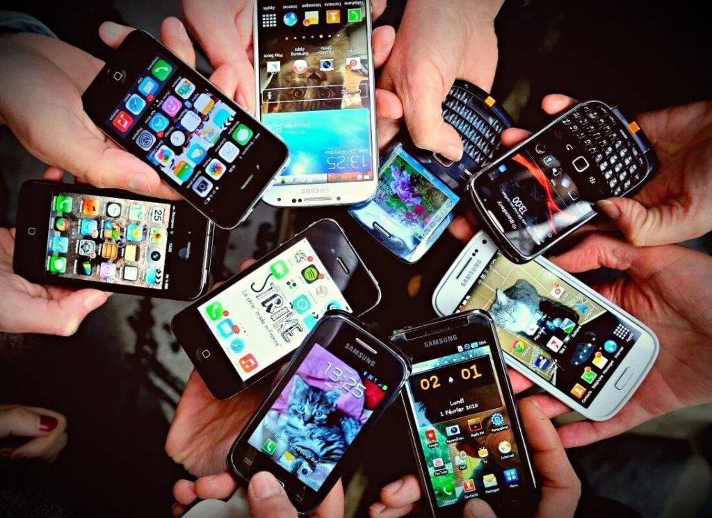 Топ 10 маленьких смартфонов