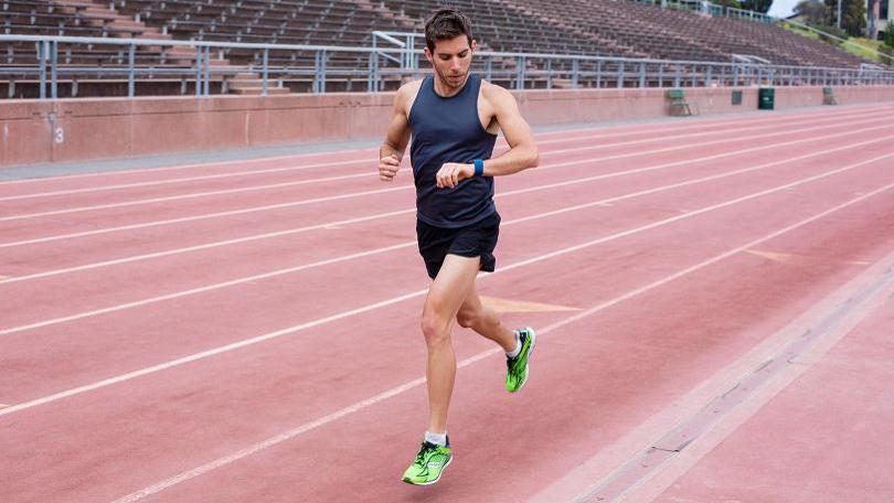 Лучшие фитнес-браслеты для бега